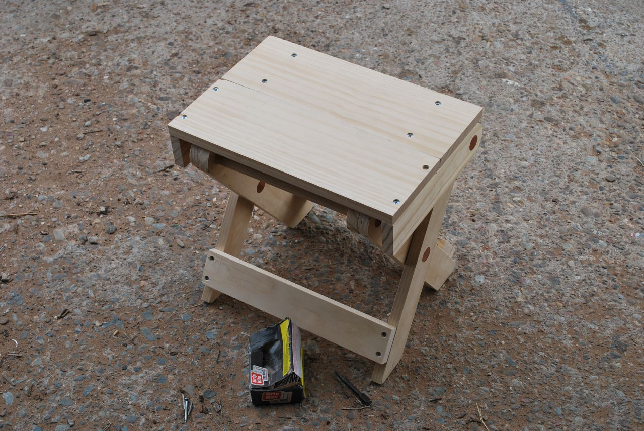 Furniture also Wooden Folding Tables Plans as well Foldable Picnic ...