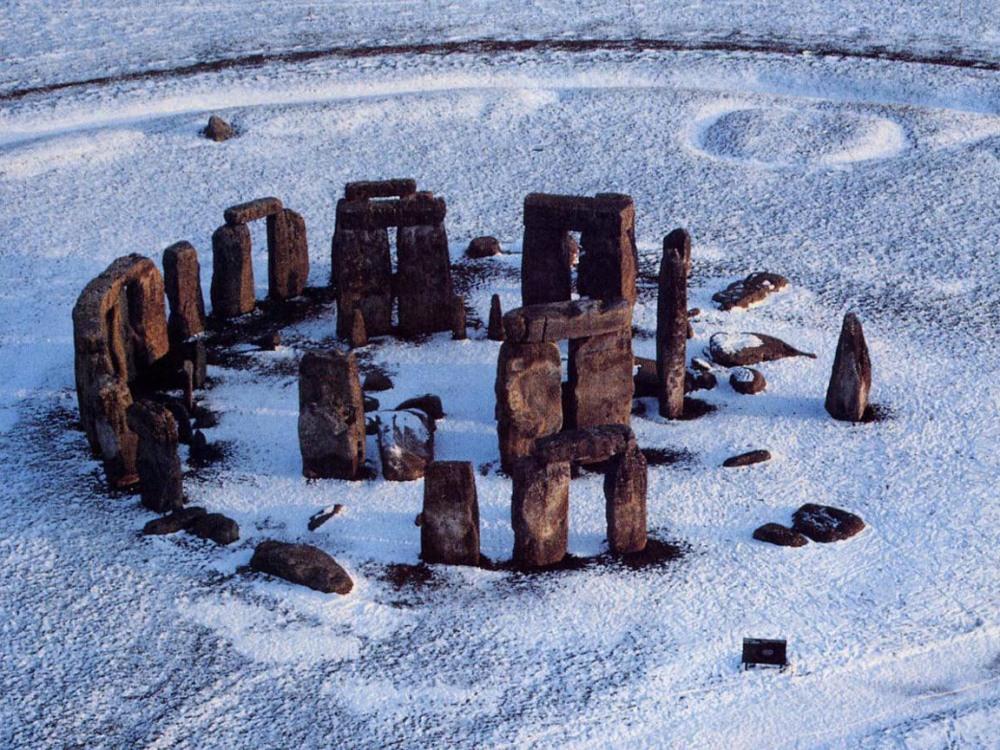 stonehengeinsnow