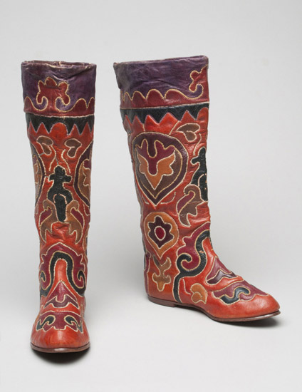 Uzbeki boots in the Philidelphia Museum of Art