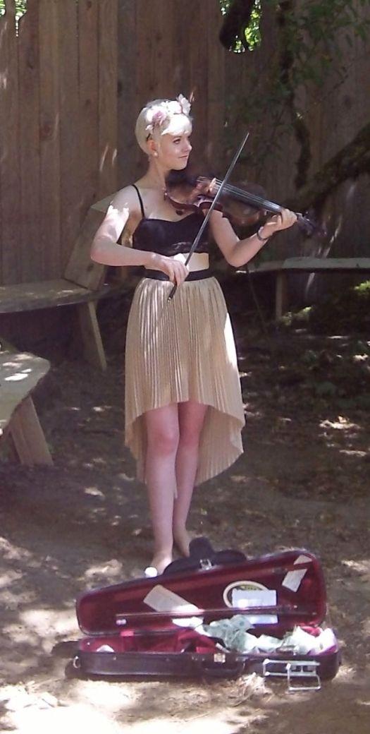 Pixie Fiddler at OCF.