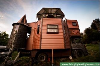 Caslte-Truck-Kitchen-Side.tif