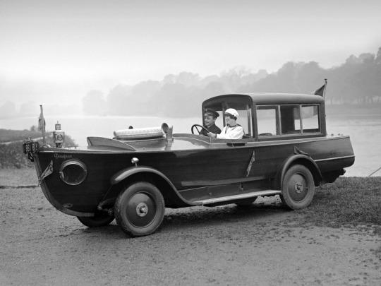 1925 Peugeot Motorboat Car.