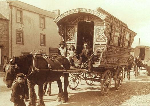 Gypsy_caravan