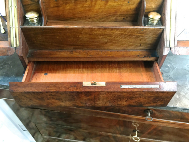 And a drawer in the front.