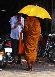monks-beg