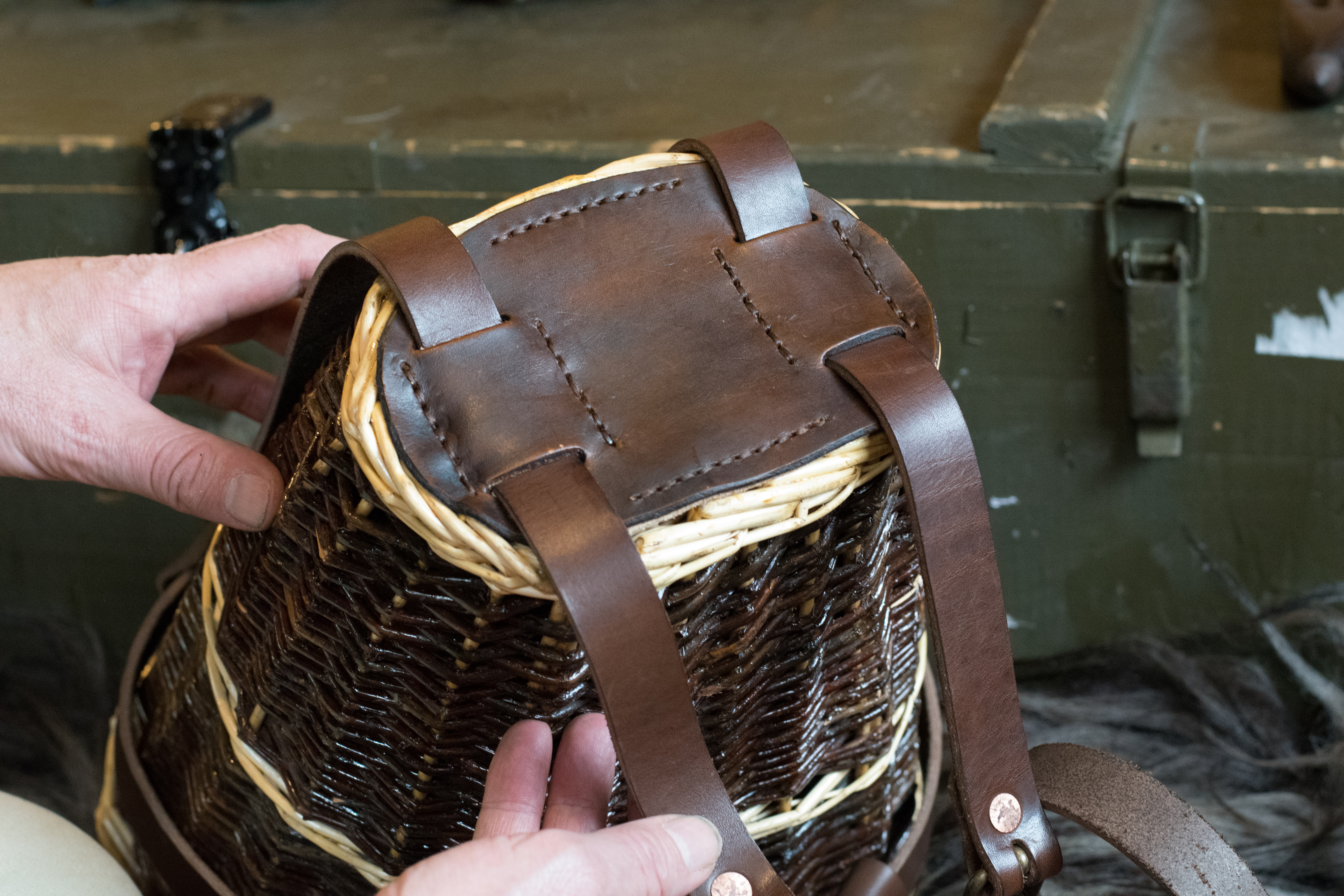 running-with-sheep-sheepbushcraft-basket-pack-how-to-diy-leather-18
