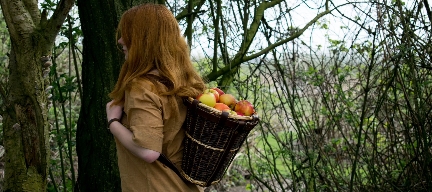 running-with-sheep-sheepbushcraft-basket-pack-how-to-diy-leather-apple-1